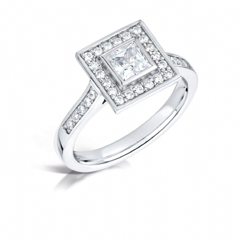 GIA Certified G VS Diamond cluster ring, Platinum. Princess cut centre stone - 0.65ct
